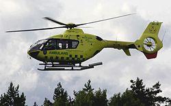 En man förs i ambulanshelikopter från Lidingö där han utsatts för mordförsök. Foto: en.wikipedia.com