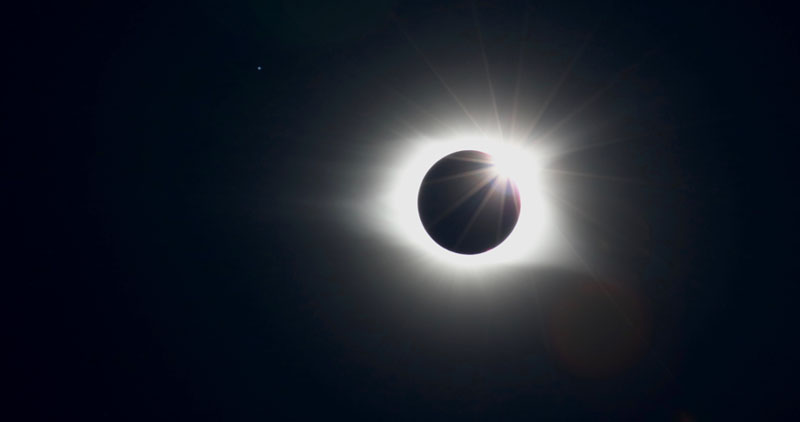 Still Enthralled By The Solar Eclipse? Here Are 45 Incredible Images You May Have Missed