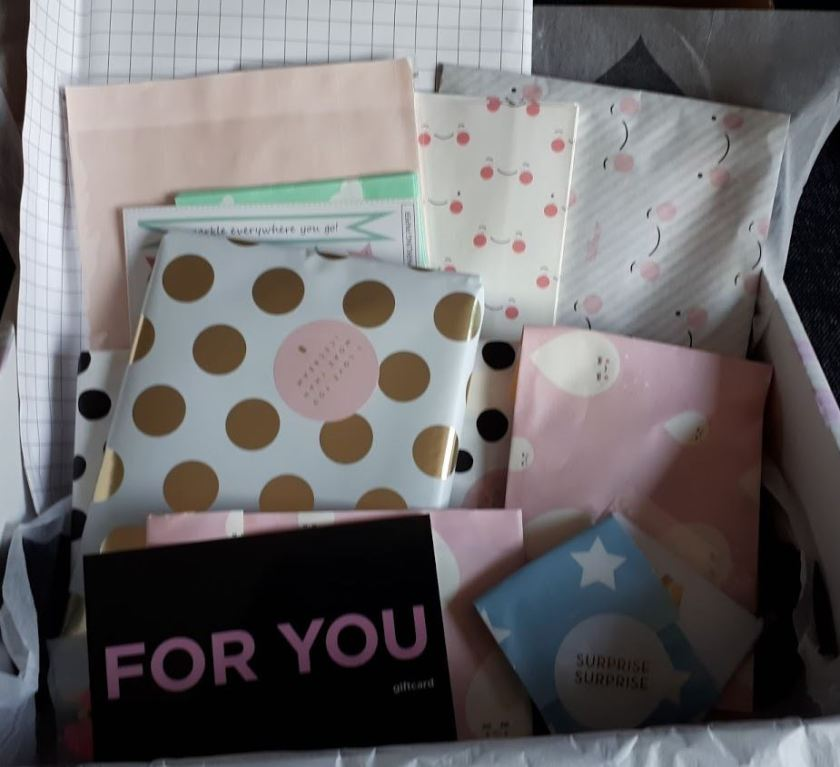 ingepakte cadeautjes surprise box