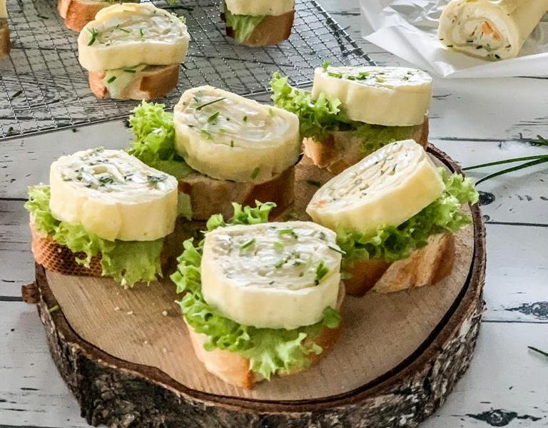 Feine Fingerfood-Käseröllchen