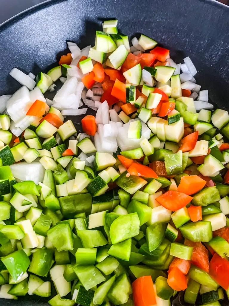 Gemüse in der Pfanne braten