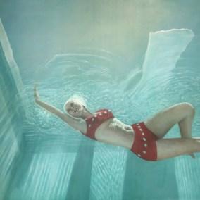 Underwater Beauty 50x50