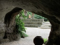 Etruscan-Cave-looking-out