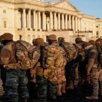 États-Unis: Les Militaires toujours à la Manœuvre