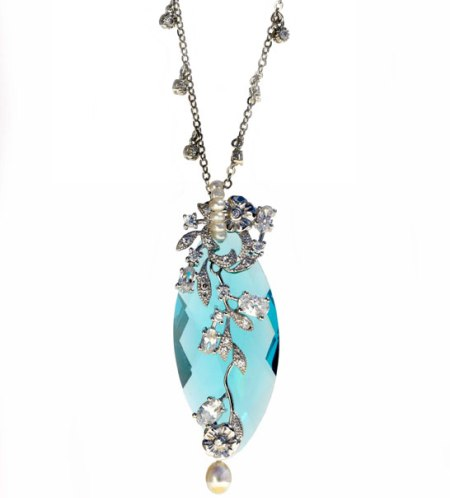 fine aquacollection necklace Timeless and Seasonless: Aqua Clara Necklace