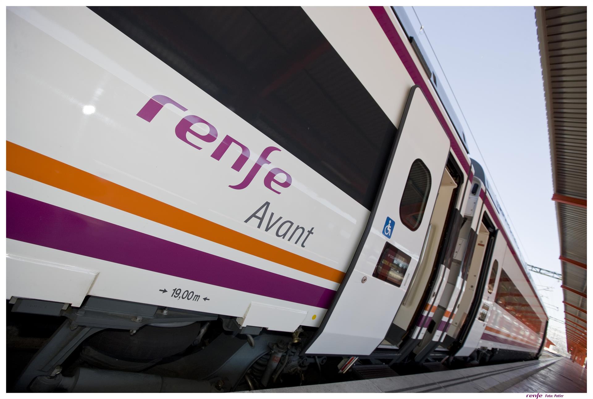 Los trenes de alta velocidad a Málaga y Sevilla funcionarán en el último cuatrimestre del año.