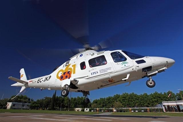 Heridos dos parapentistas, uno de ellos evacuado en helicóptero, tras sendas caídas