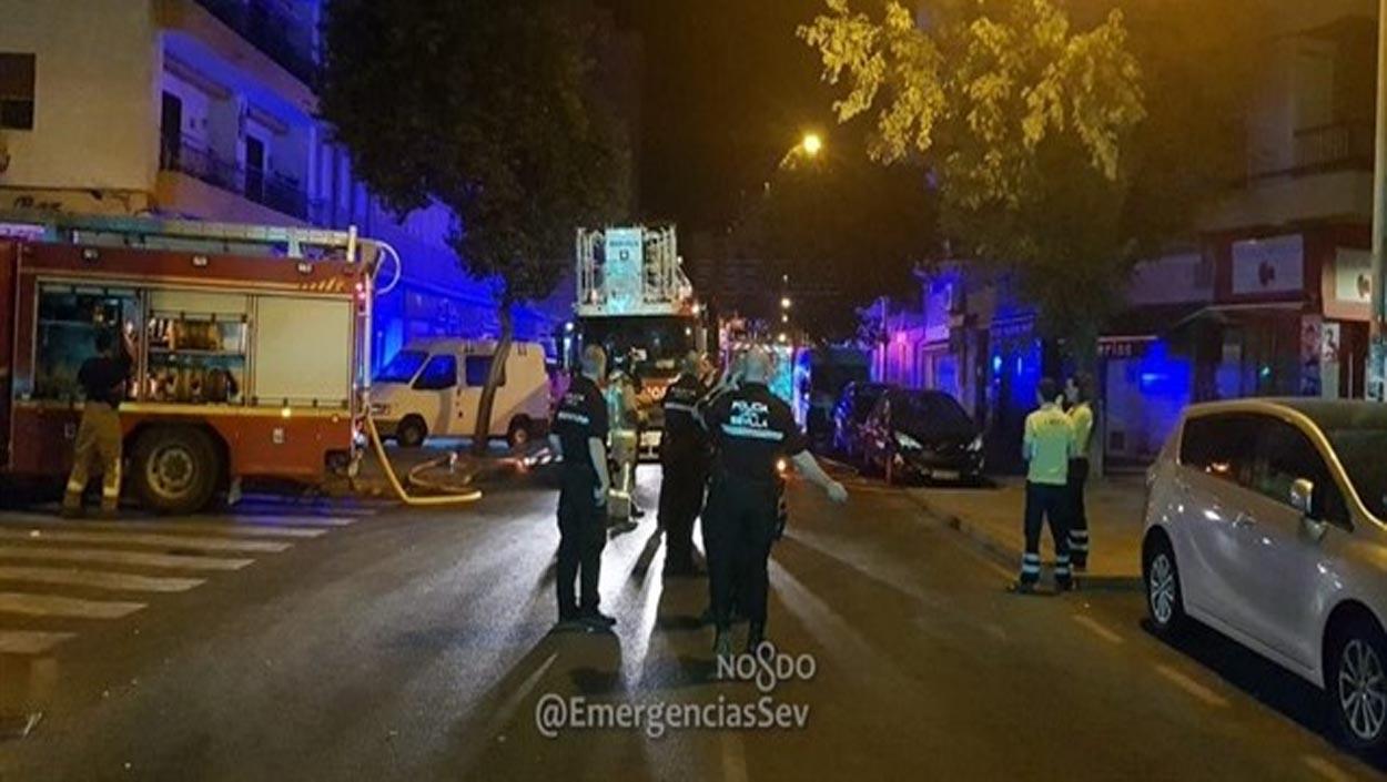 Dos muertos en un incendio en una vivienda en Sevilla