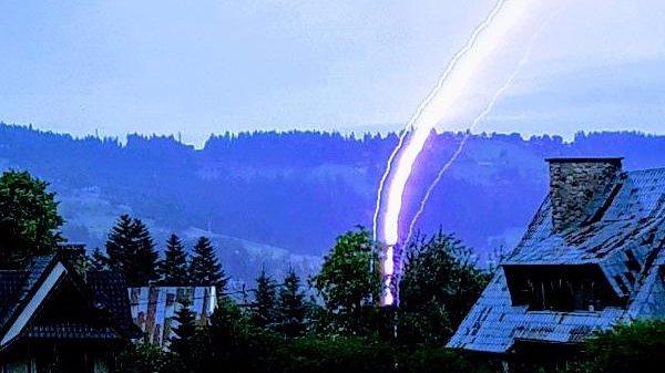 Repentina tormenta eléctrica provoca  5 muertos, 2 menores, y 100 heridos