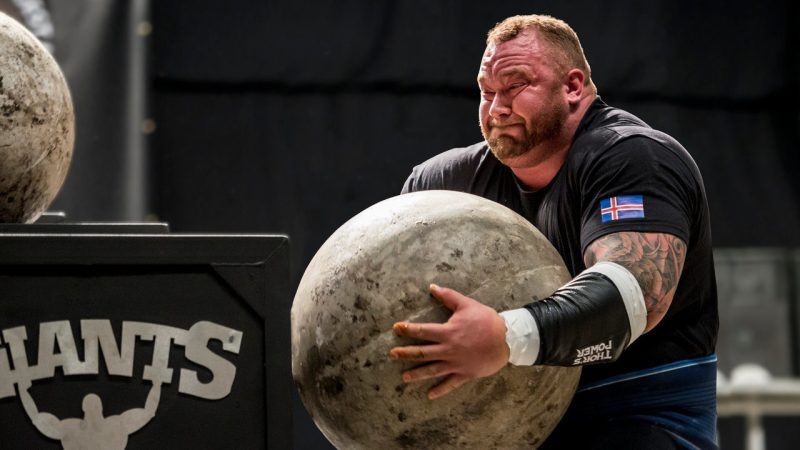 Campeonato de Strongman reúne a los hombres más fuertes del país