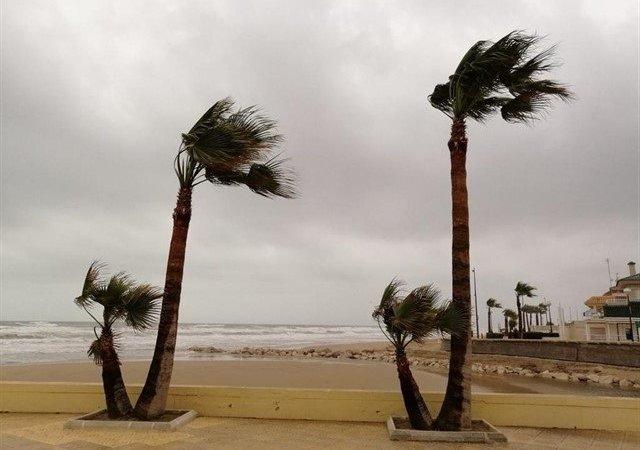 El litoral de la provincia, en aviso amarillo por fuertes rachas de viento y oleaje