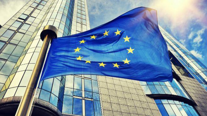 La inflación de la zona euro en octubre confirmó una desaceleración a 0.7%, el superávit comercial aumentó