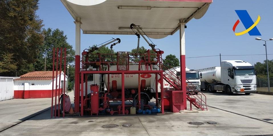 Cae una trama que distribuía gasóleo modificado en gasolineras 'low cost'