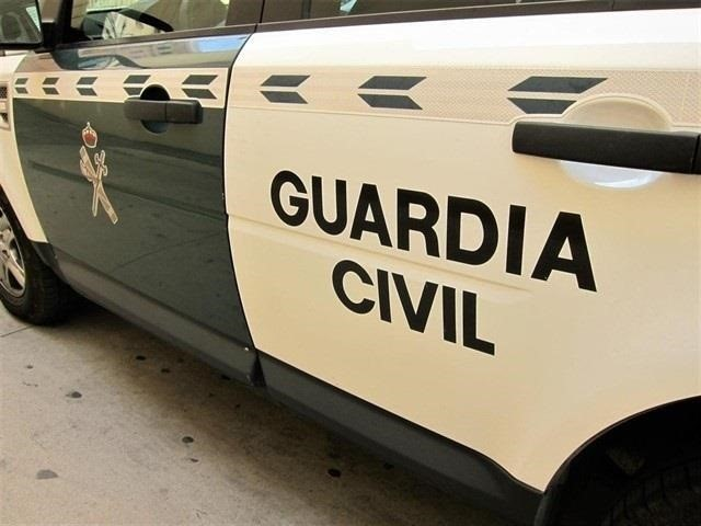 La Guardia Civil rescata el cadáver de un varon en una cueva de difícil acceso