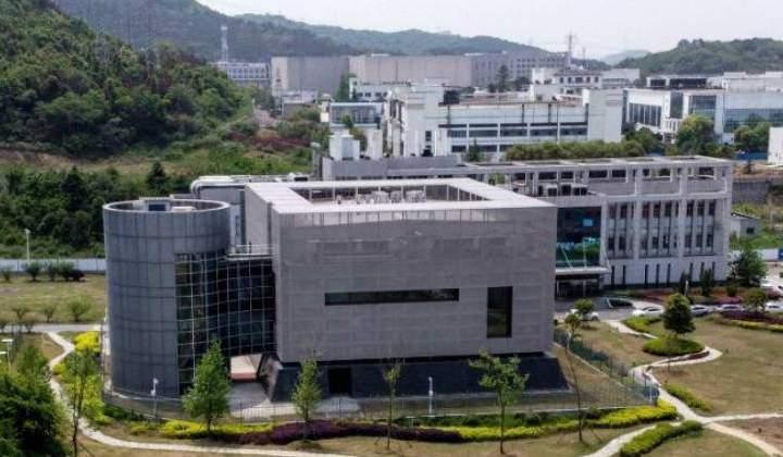 """La pandemia de COVID-19 comenzó como un """"accidente"""" cuando el virus artificial se filtró del laboratorio de China, dice el ex jefe del MI6"""