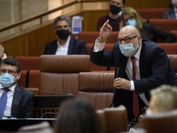 Vox retira su apoyo a la coalición de gobierno en Andalucía debido al pin parental