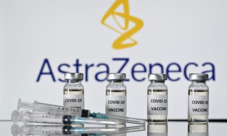 La Junta de Andalucía cree que la vacunación del profesorado de Infantil, Primaria y Secundaria comenzará la próxima semana