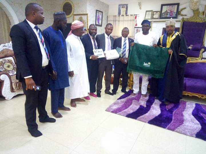 Jaiz Bank Officials on Courtesy Visit as Oluwo Donates Office for Operation