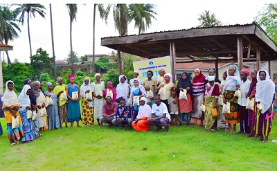 Ambassadors of Iwo Land Round off Ramadan Program With Distribution of Food