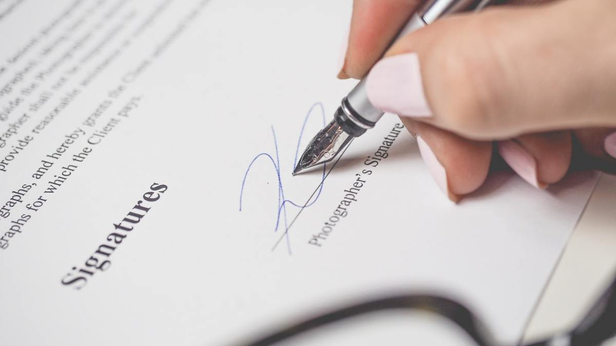 Contracts Legally Translated UAE 024120000
