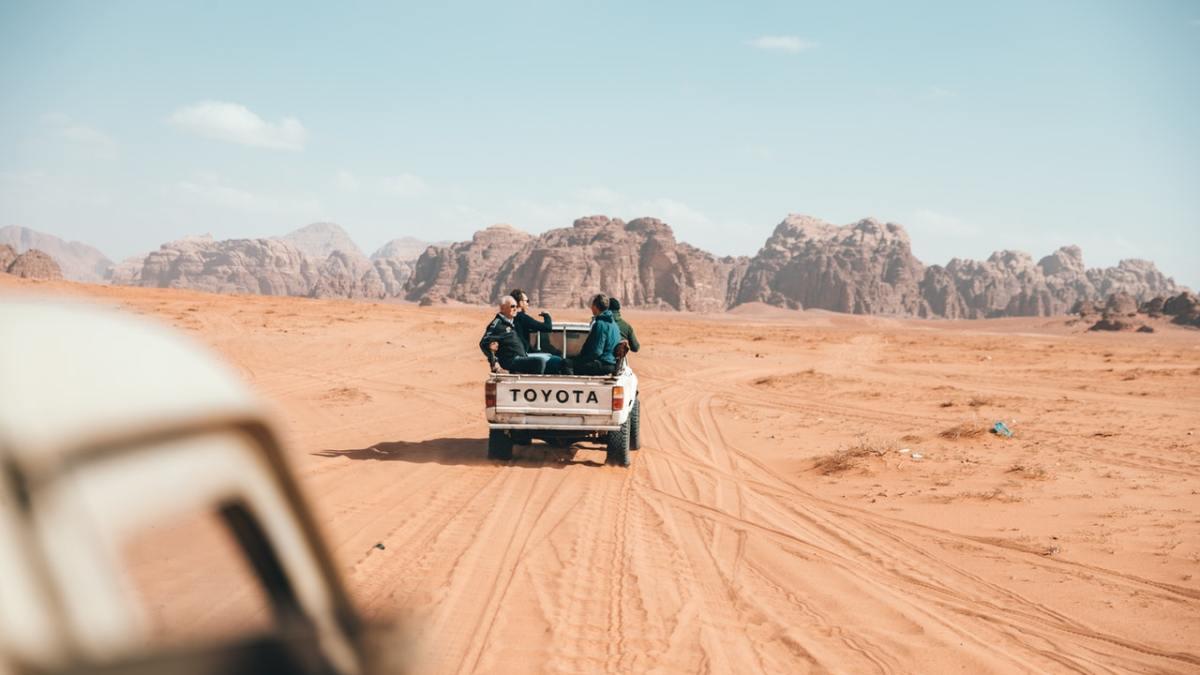 Pakistani Driving License to UAE Driving License UAE 024120000