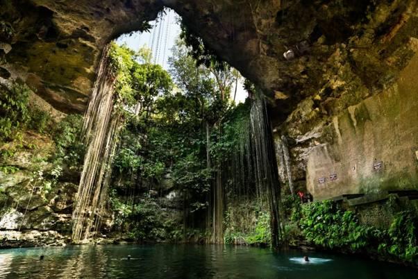 Ik Kil, Cenote, Mexico