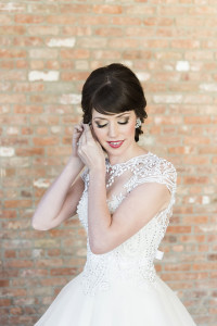 bride getting ready - roundhouse