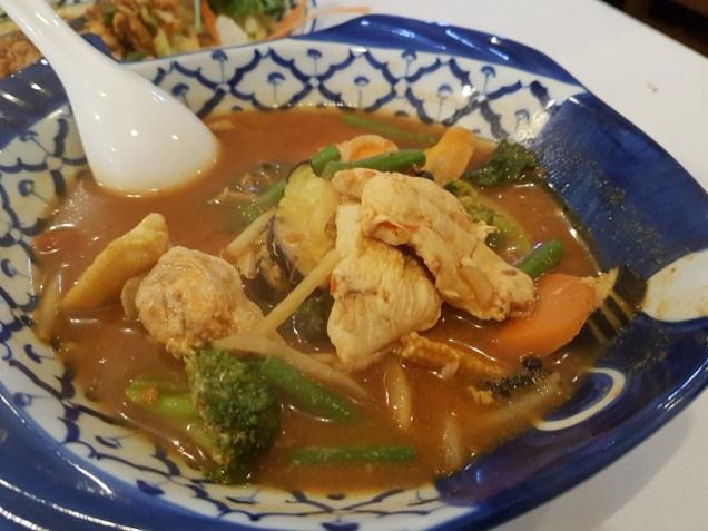 Chicken jungle curry Manow