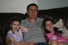 Stefan Klincewicz and daughters-thumb-240x240-1111
