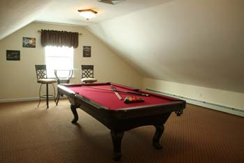 pool table, bonus room