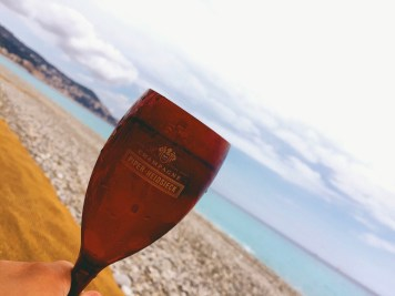 Drinks by the ocean!