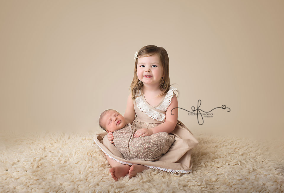 Sibling Newborn Photography | Newborn with Sibling | CT Newborn Photographer Elizabeth Frederick Photography