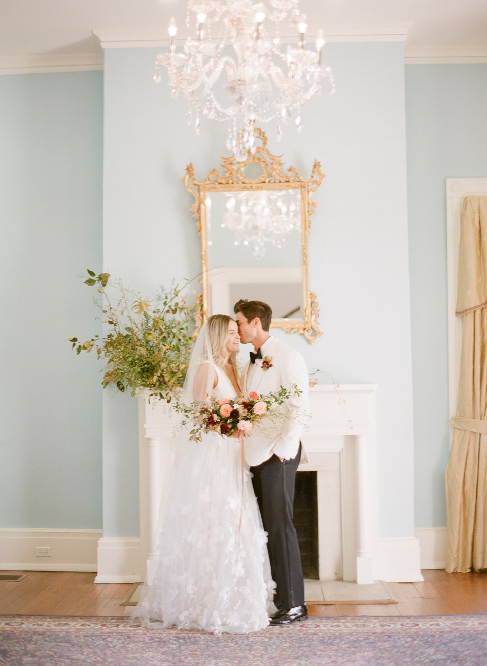 bride and groom mantel gradient and hue kelly hornberger photography