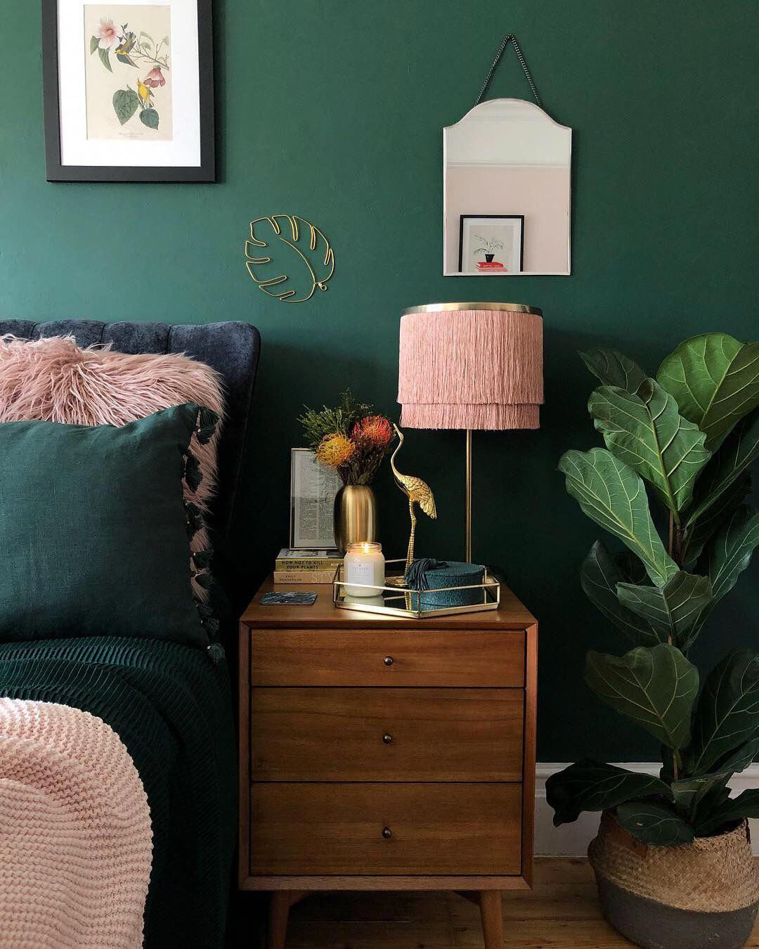 Emerald and pink interior room