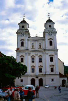 Mondsee Abbey was used to film the wedding of Maria and Baron von Trapp.