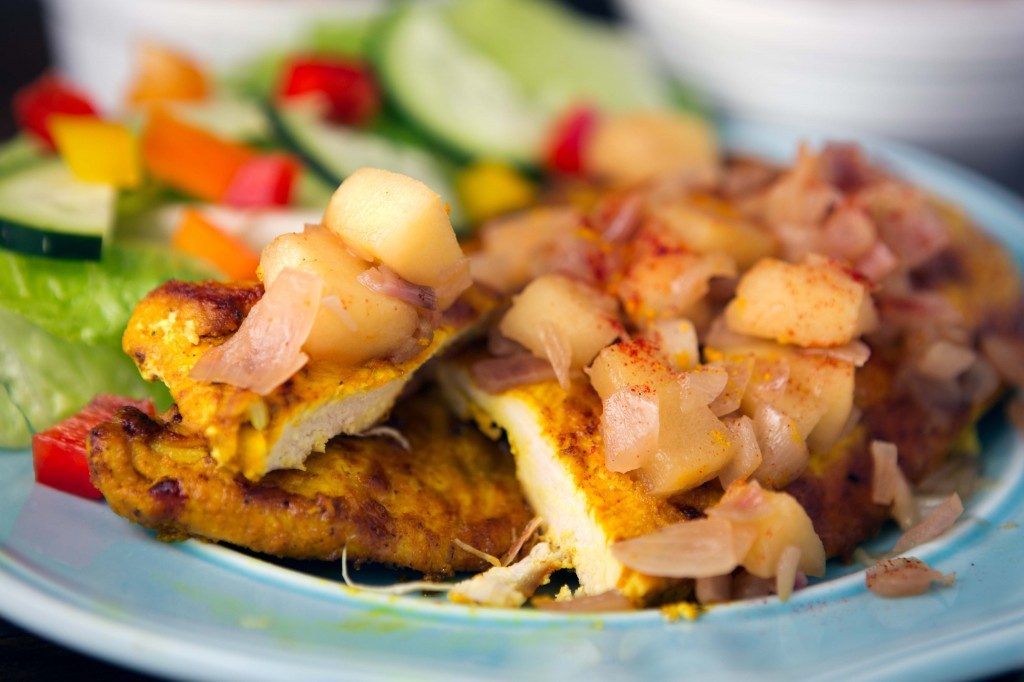 Chicken Breasts with Turmeric, Apples and Shallots