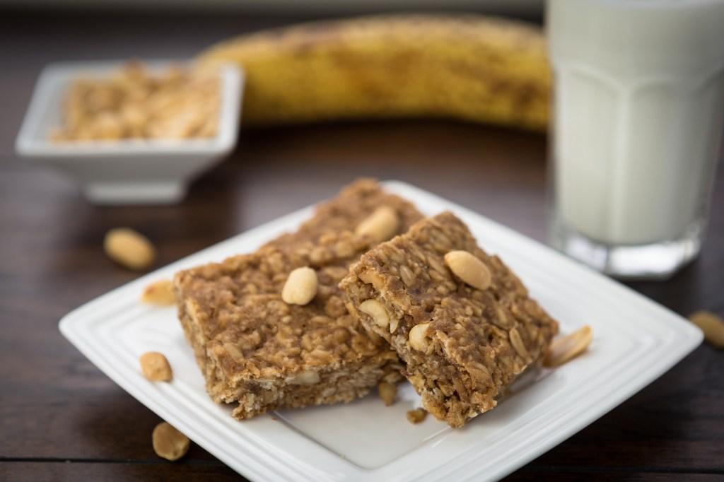 Oatmeal Peanut Energy Bars 1