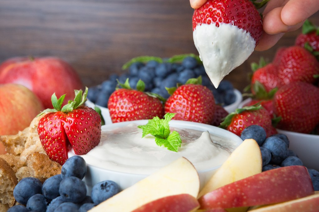 2014-08-31 Cream Cheese Fruit Dip-603