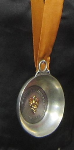 The Confrérie du Raisin d'Or de Sigoulès regalia taste-vin