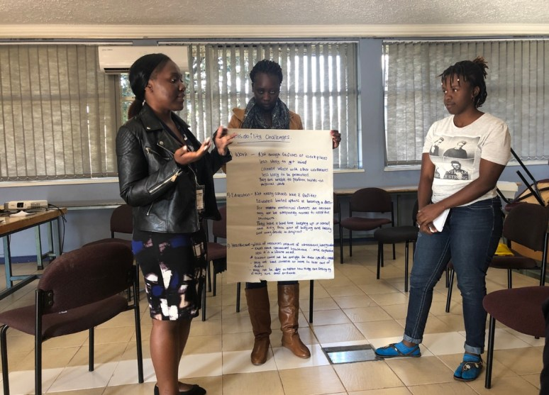 The SCORP Sessions participants presenting their conflict resolution idea