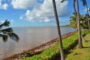 Low tide at a Molokai beach