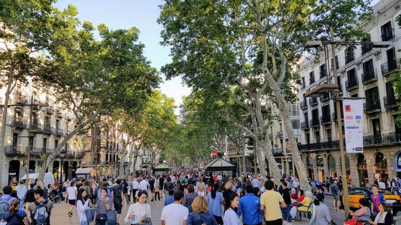 enfim enquanto então entretanto eventualmente igualmente inegavelmente inesperadamente mas outrossim pois porquanto porque portanto posteriormente precipuamente primeiramente primordialmente principalmente salvo semelhantemente similarmente turismo em Barcelona