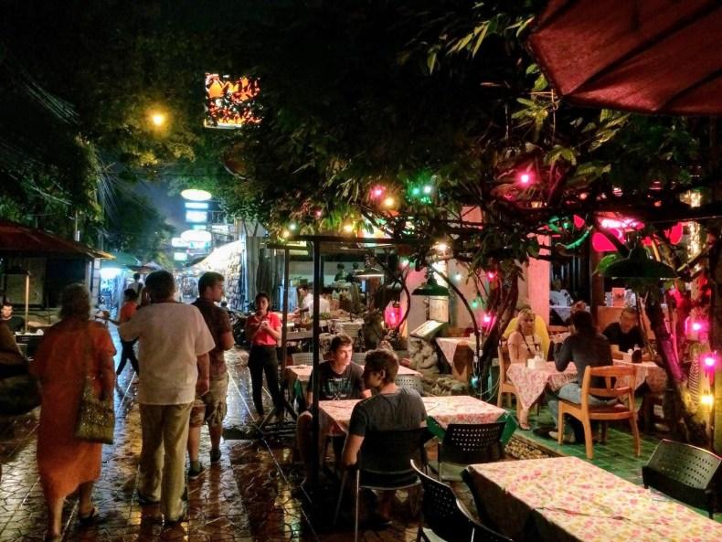 barzinho na rua Rambuttri, Bangkok,Tailândia.