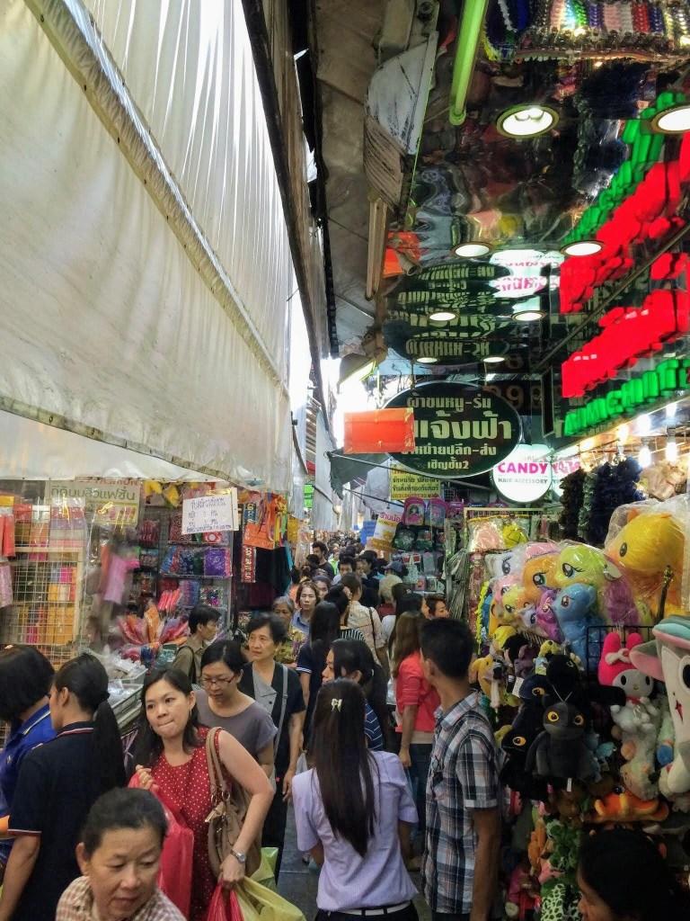 Mercado de Sampeng, ChinaTown de Bangkok, Tailândia.