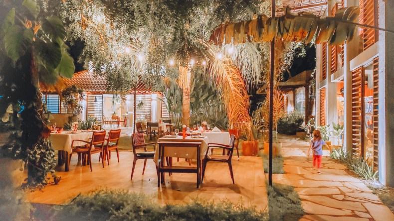 Jantar ao ar livre na pousada do Toque, Milagres, Alagoas
