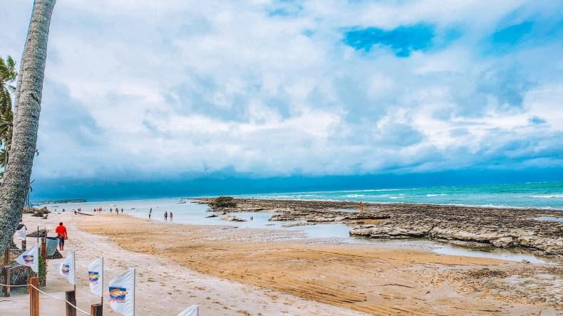 piscinas naturais na Praia dos Carneiros