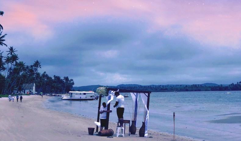 preparação de casamento na praia