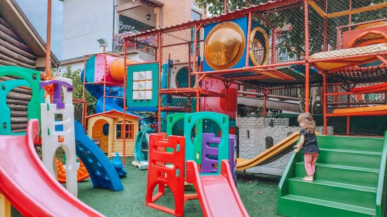 Na vila do Papai Noel tem um espaço Kids enorme. O que fazer e onde comer em Penedo RJ