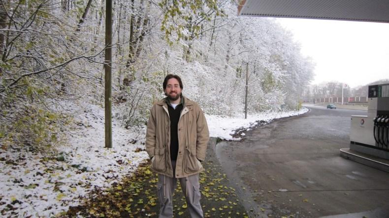 Neve no inverno na estrada da Holanda