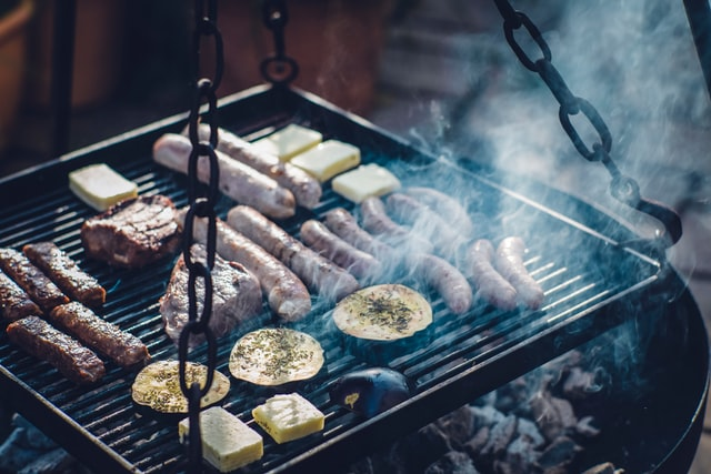 What style of BBQ do you need? Best BBQs  to look for. The tripod BBQ.